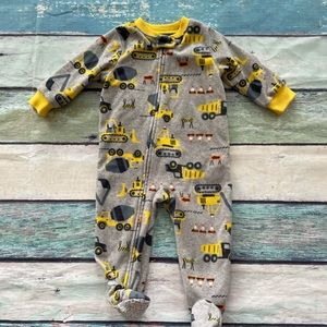 ⭐️4/$20⭐️Carters Construction Footed PJs